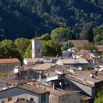 La tour de l'horloge vue du cimetière