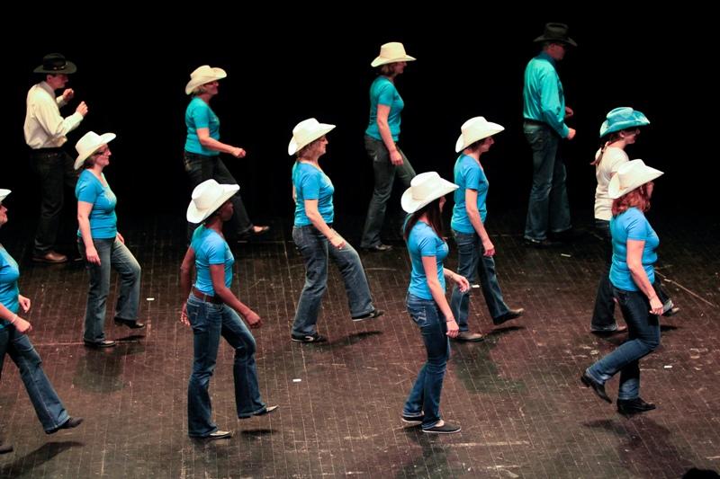 Image Danse Country danse country – mairie de saint jean du gard